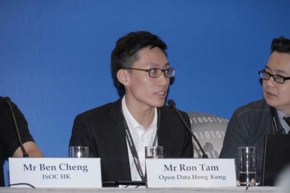 譚海杰認為政府應跟隨外國開放數據的標準,採用開放源碼的系統。