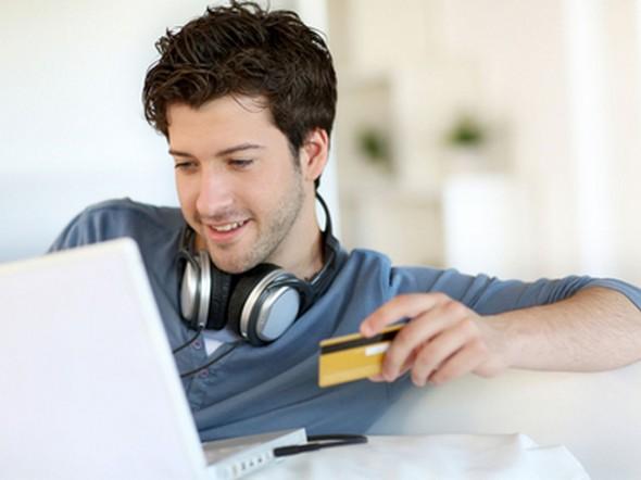 盜用信用卡仍是主要的攻擊方式。