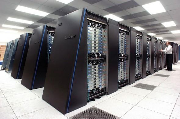 超大的容量、超大的頻寬、超多的平行運算 CPU,將會成為未來數據中心的主流組成模式。