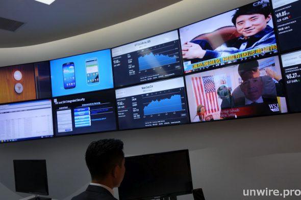 金融機構可利用 Samsung SMART Signage DM40D 實時展示外幣匯率、股票市場資料及其他金融資訊,確保客戶得到最快最新的資訊。