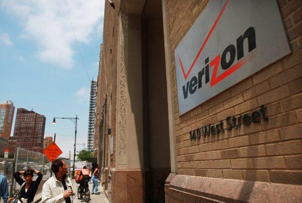 verizon-gets--aol-with-4-4-billion-1