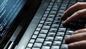 282112-hacking-700