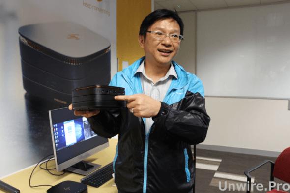 HP Inc. 香港個人系統商業桌面電腦高級市場發展經理王耀威講解 Elite Slice 的功能