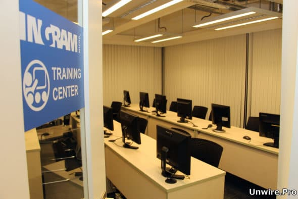 設有專門的訓練中心供技術服務團隊持續進修、提升專業知識。