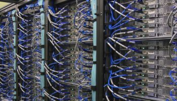 Computer Cable Server Network Mainframe Computer
