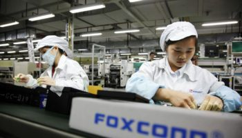 foxconn-assembly-line