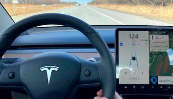 Tesla-Autopilpt-e1554665798437