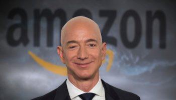 Cropped-1613633189A20210218 Jeff Bezos