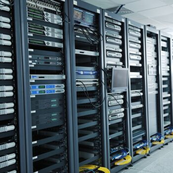 server-rack-vs-network-rack
